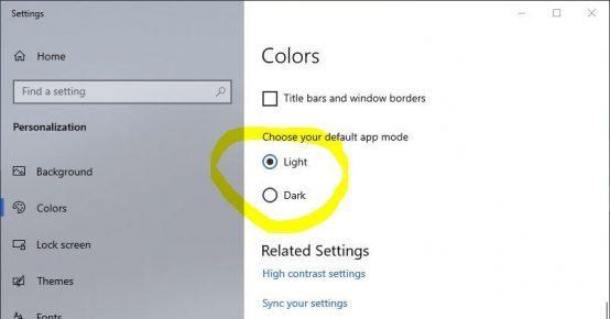 Switch on light or dark mode for Windows 10